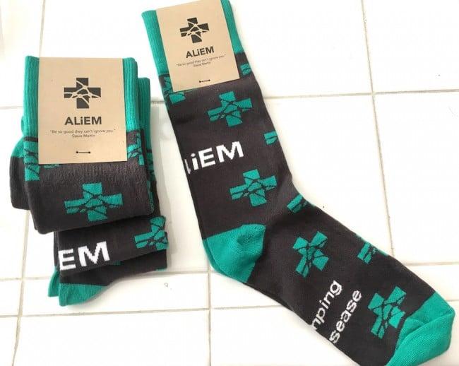 turquoise-socks-2